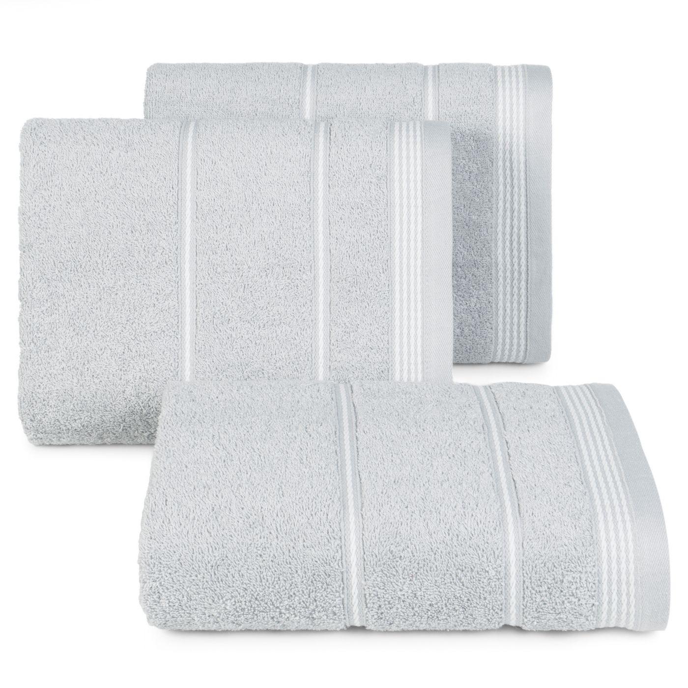 Ręcznik z bawełny ze sznurkowym zdobieniem 70x140cm