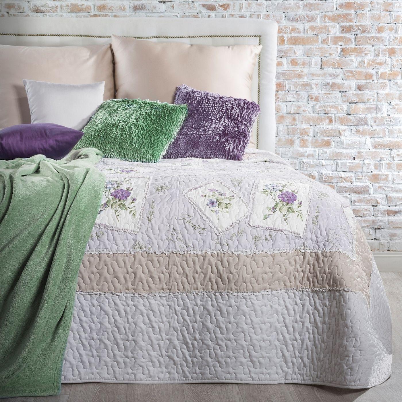 Narzuta patchwork kwiaty 220 x 240 cm
