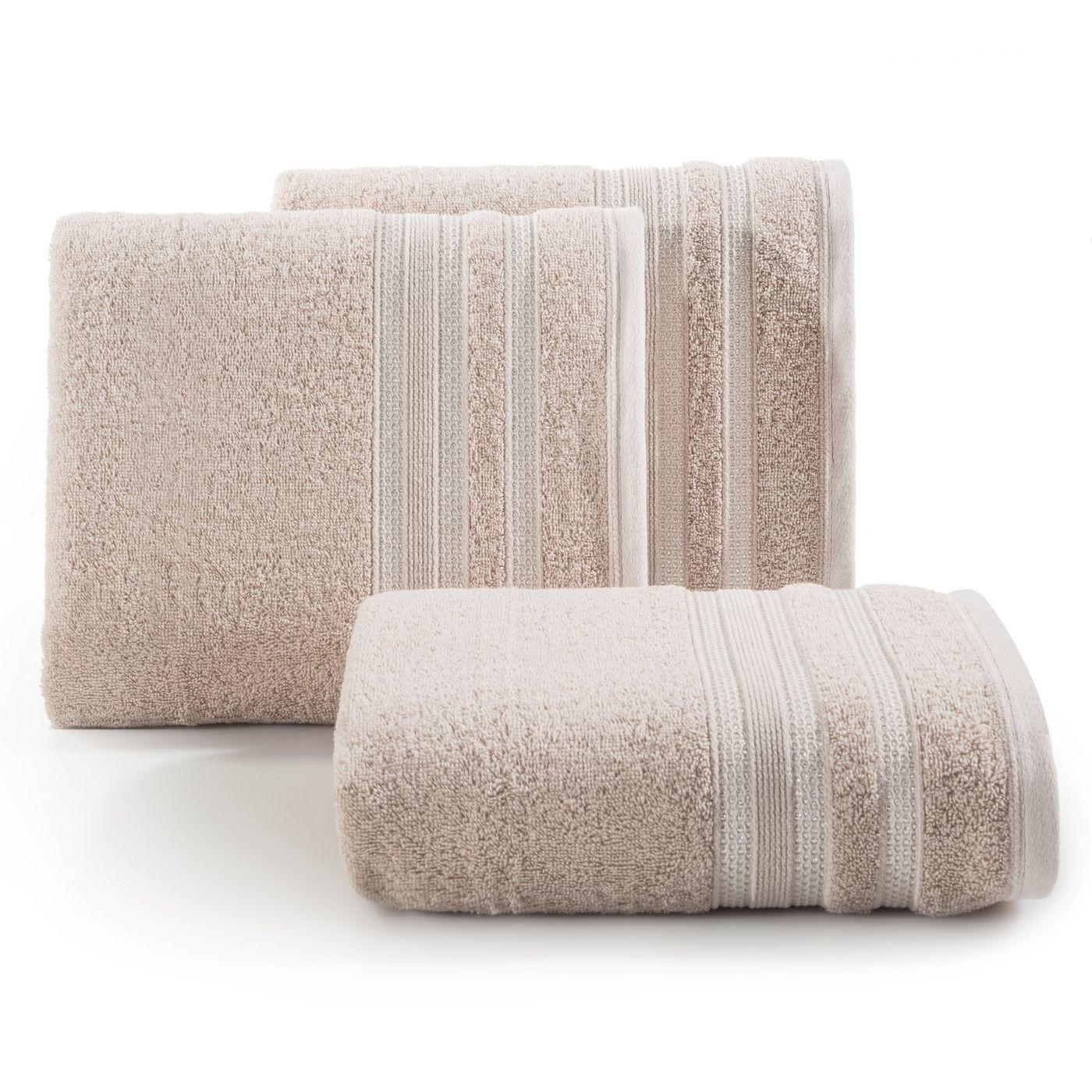 Ręcznik z bawełny zdobiony błyszczącą nitką 70x140cm jasnoróżowy