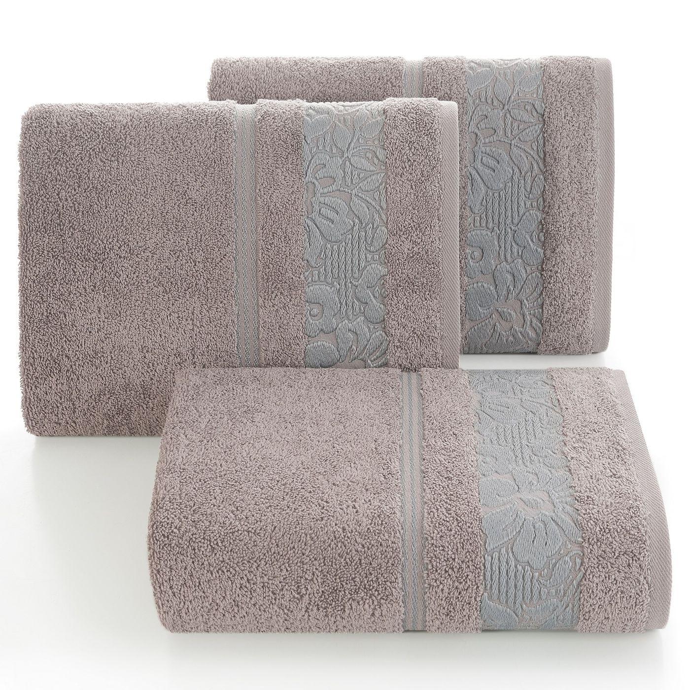 Ręcznik z bawełny z kwiatowym wzorem na bordiurze 70x140cm wrzosowy