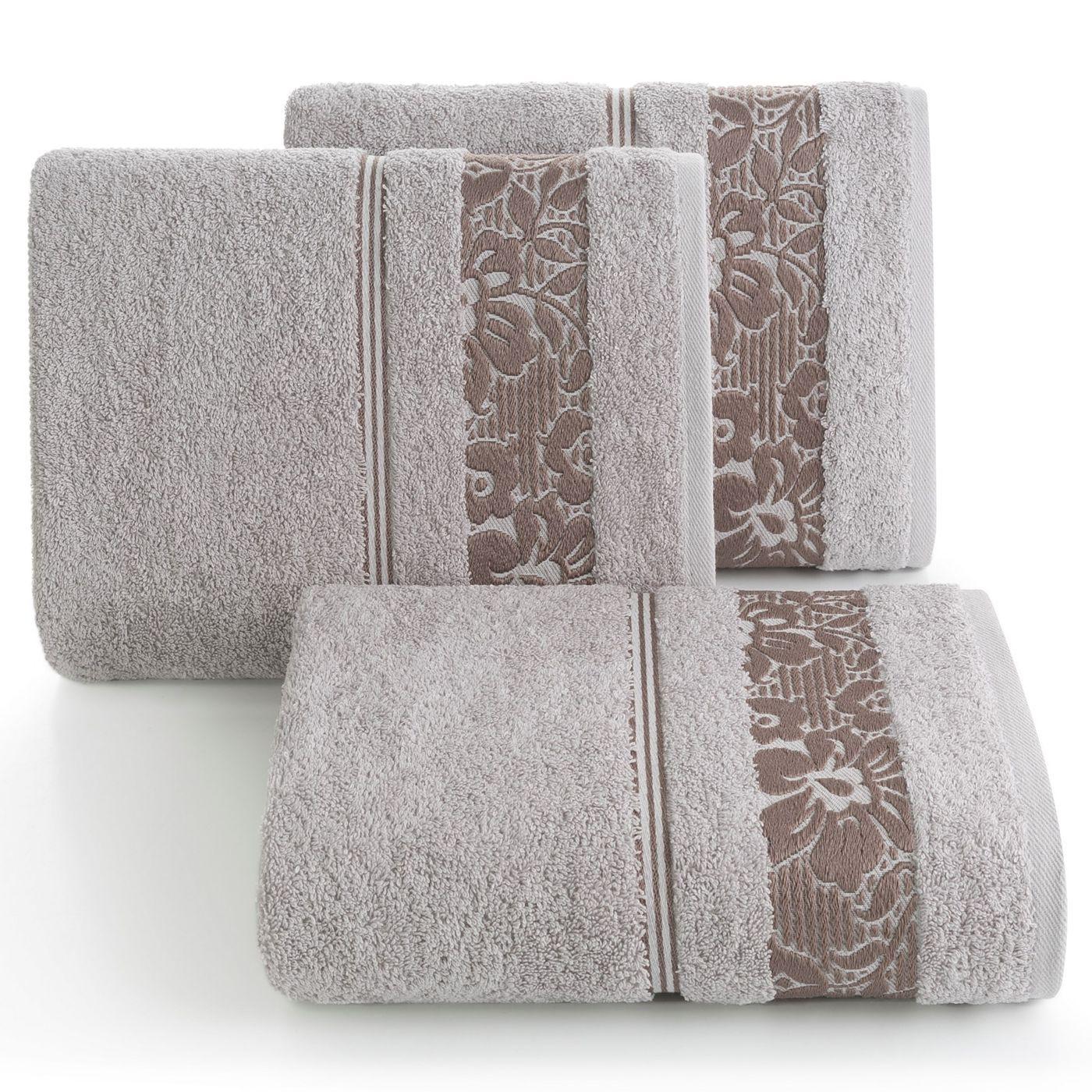 Ręcznik z bawełny z kwiatowym wzorem na bordiurze 50x90cm liliowy