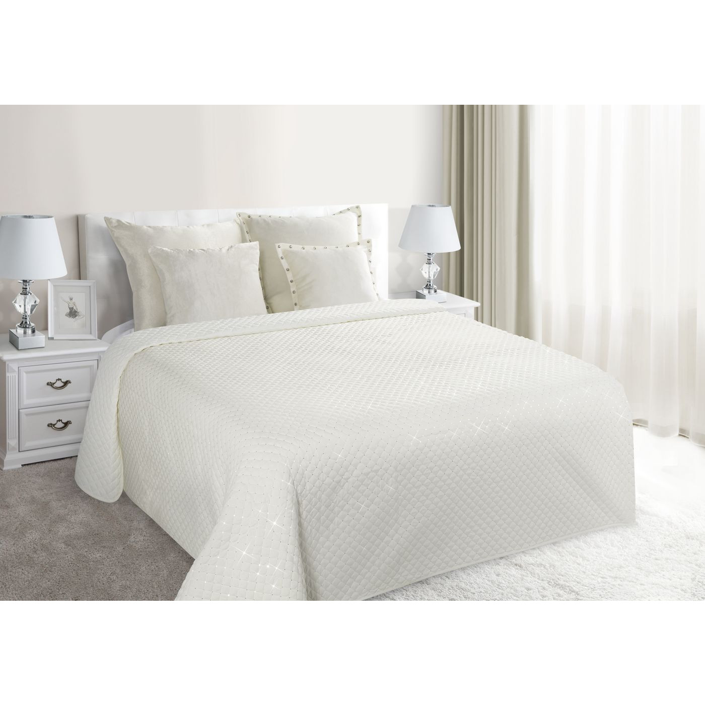 Narzuta na łóżko miękka zdobiona cekinami 170x210 cm kremowa