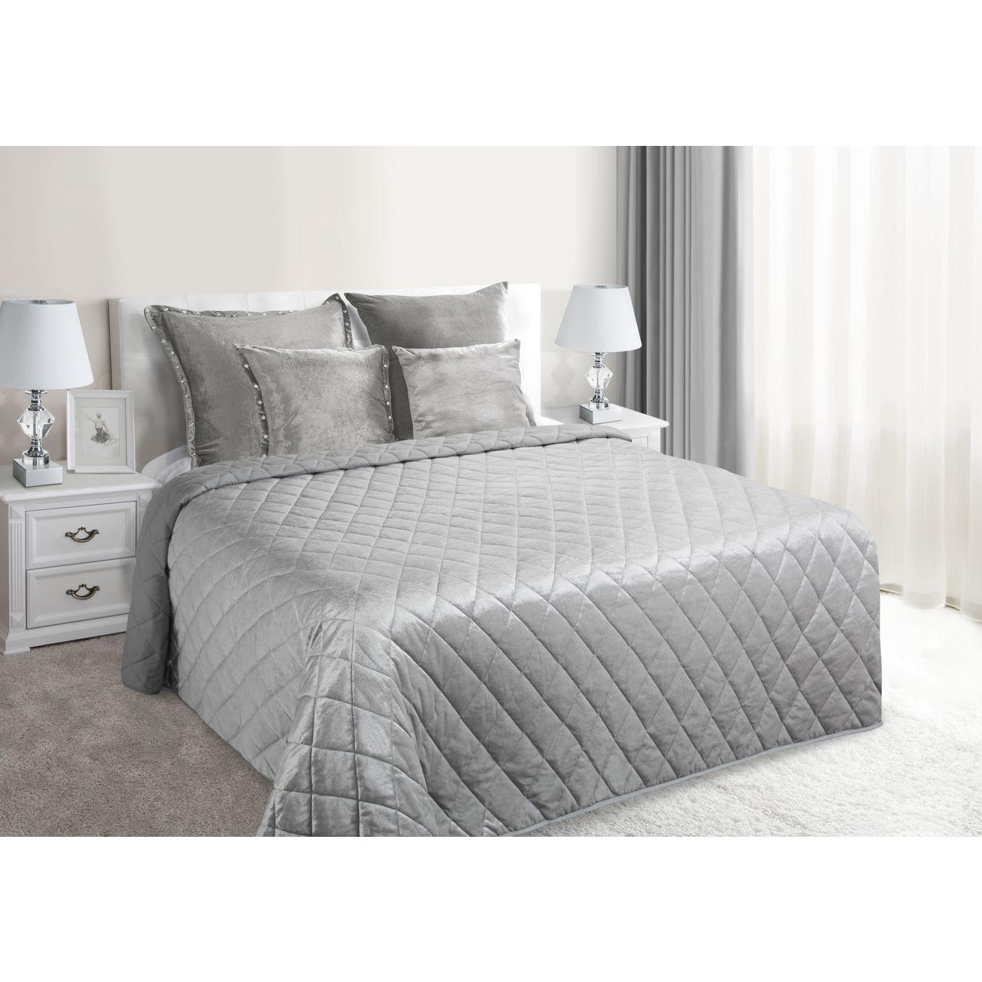 Narzuta na łóżko welwetowa pikowana 170x210 cm srebrna