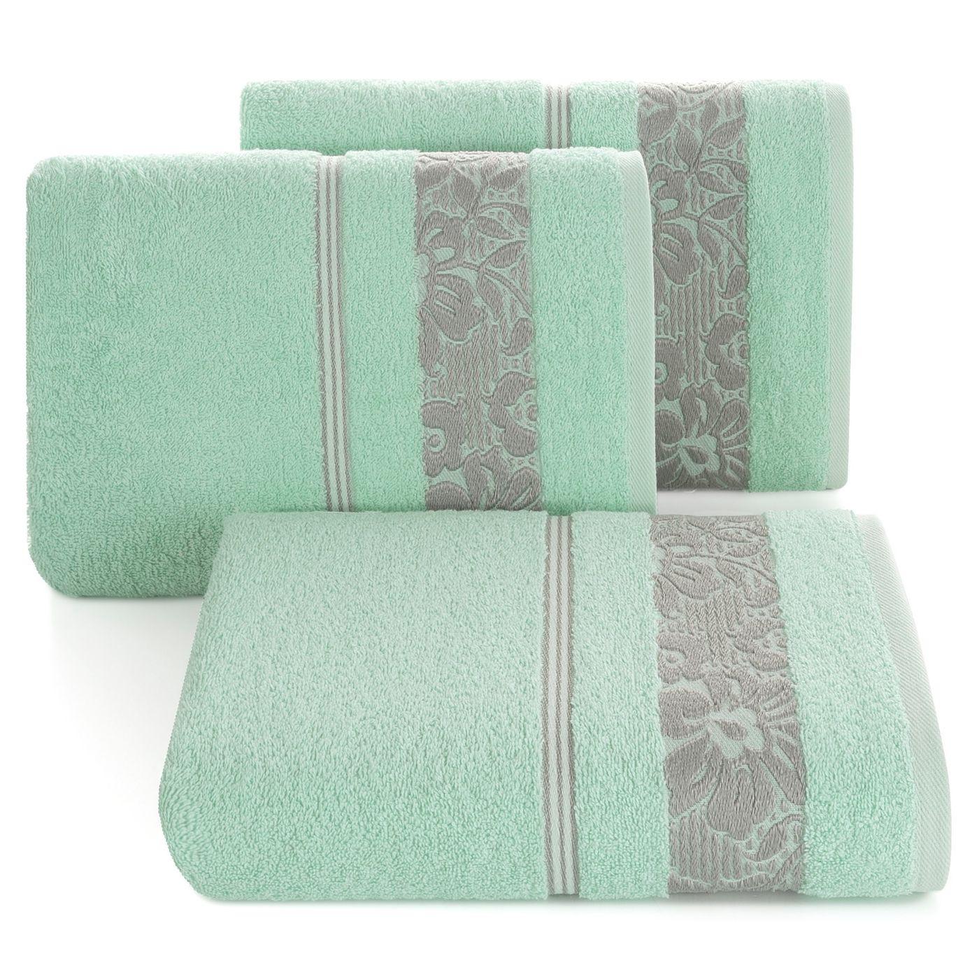 Ręcznik z bawełny z kwiatowym wzorem na bordiurze 70x140cm miętowy