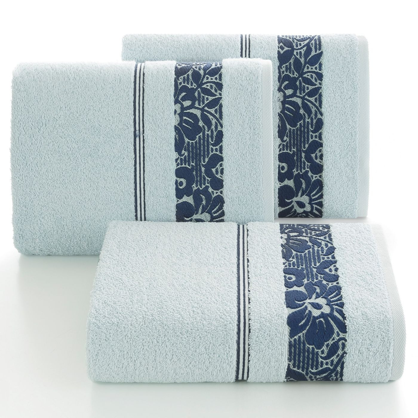 Ręcznik z bawełny z kwiatowym wzorem na bordiurze 70x140cm niebieski