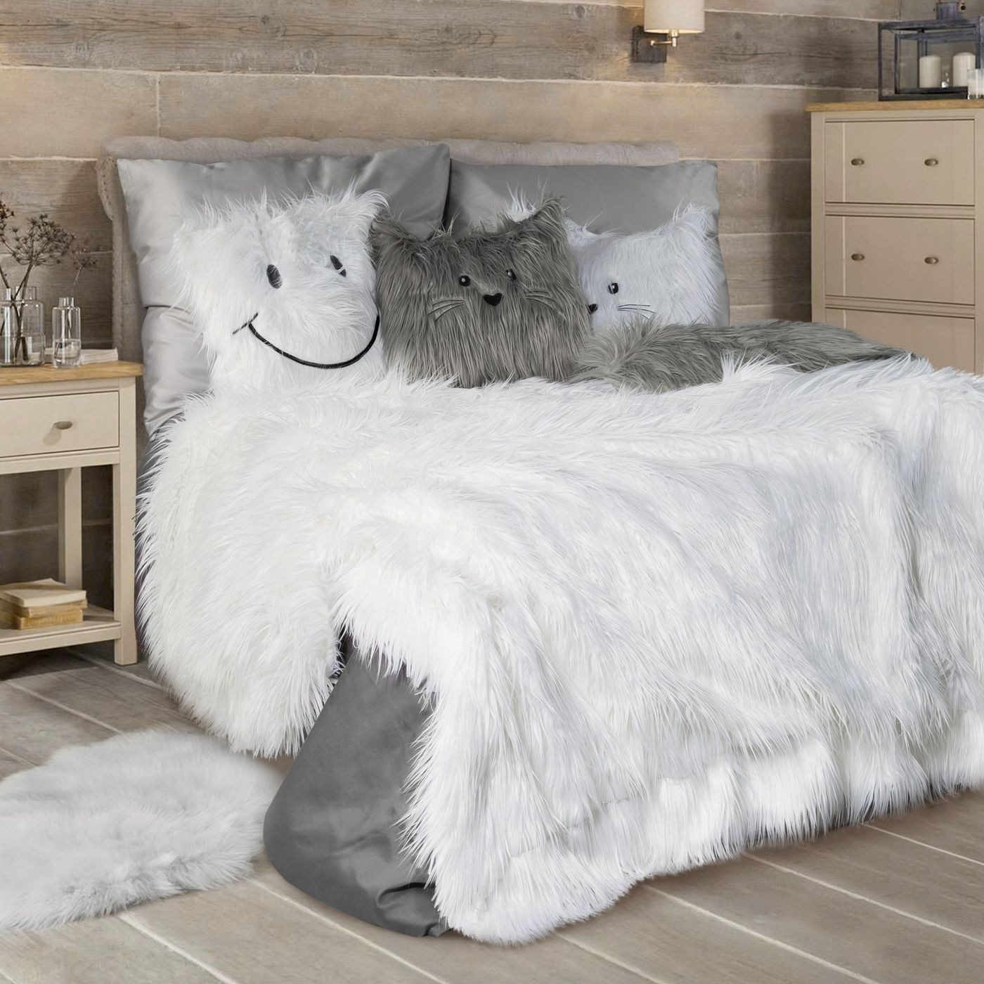 Narzuta o strukturze futra biała 150x200 cm