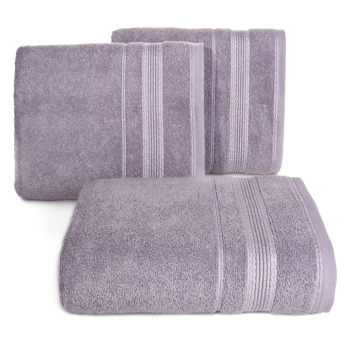 Ręcznik z bawełny z bordiurą podkreśloną srebrną nitką 70x140cm
