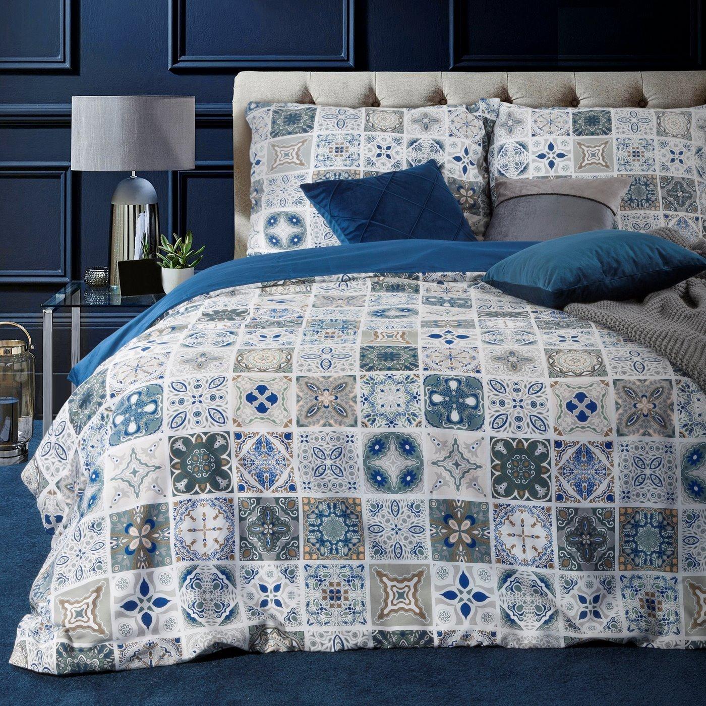 Komplet pościeli satynowej 220 x 200 cm, 2szt. 70 x 80 cm, biała niebieska, azul