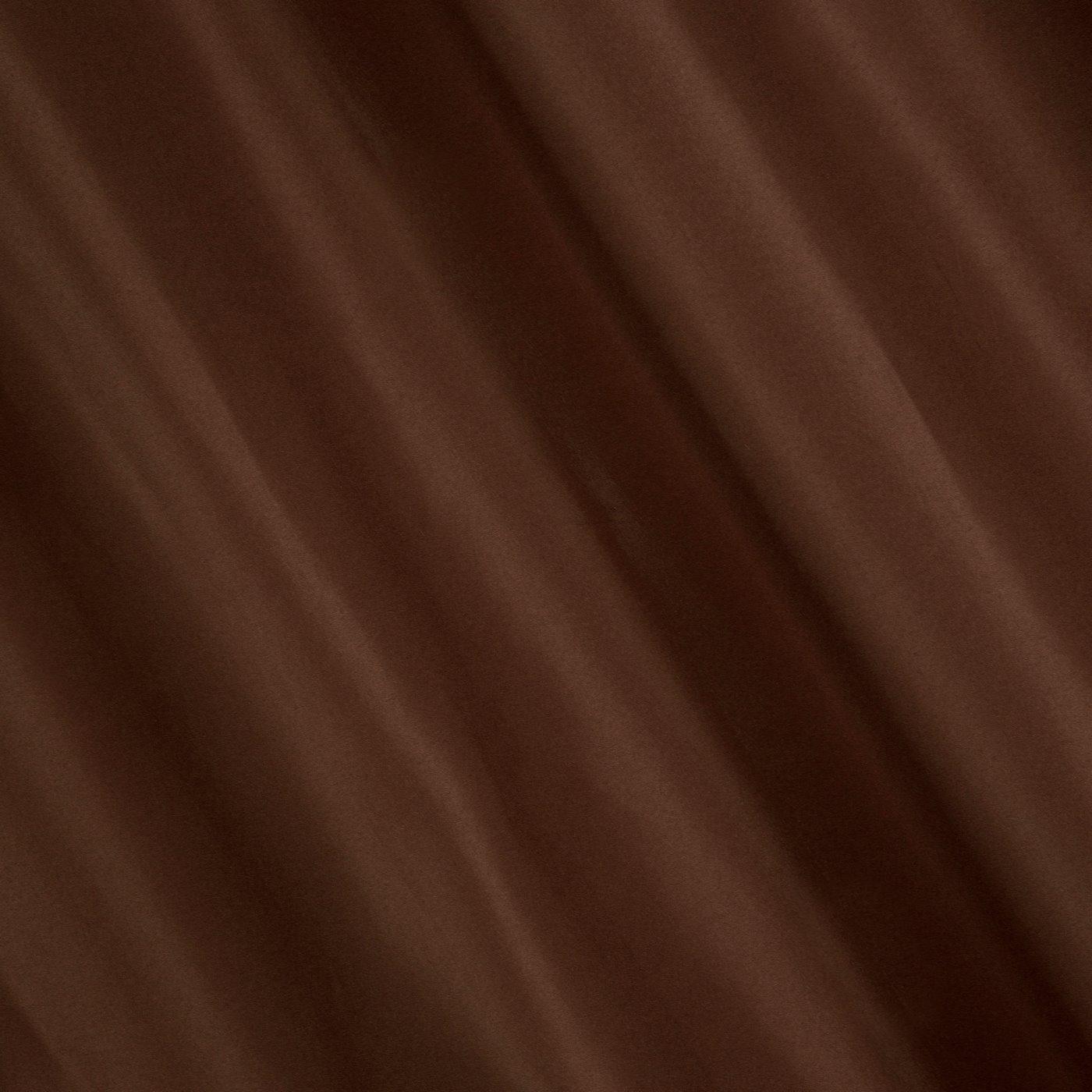 Gładka zasłona z matowej satyny kawowa na przelotkach 140x250