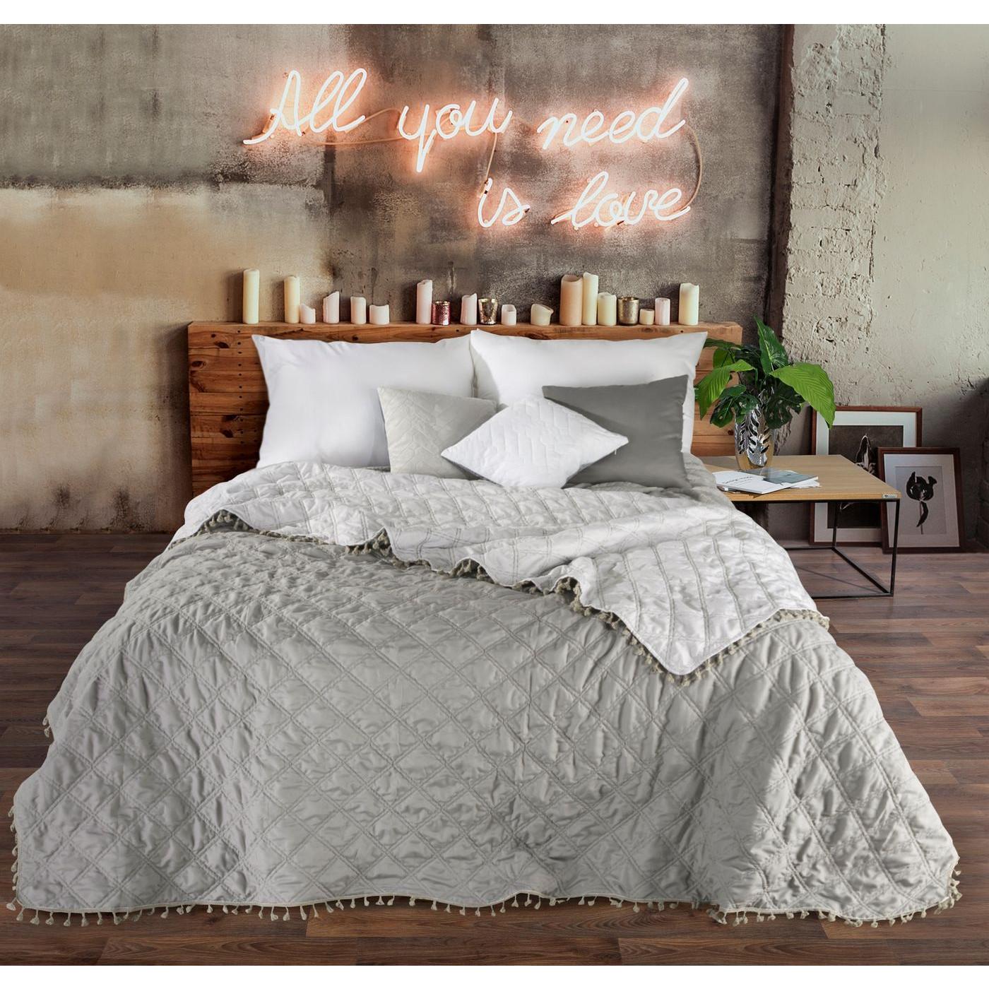 Narzuta na łóżko przeszywana romby 220x240 cm beżowa