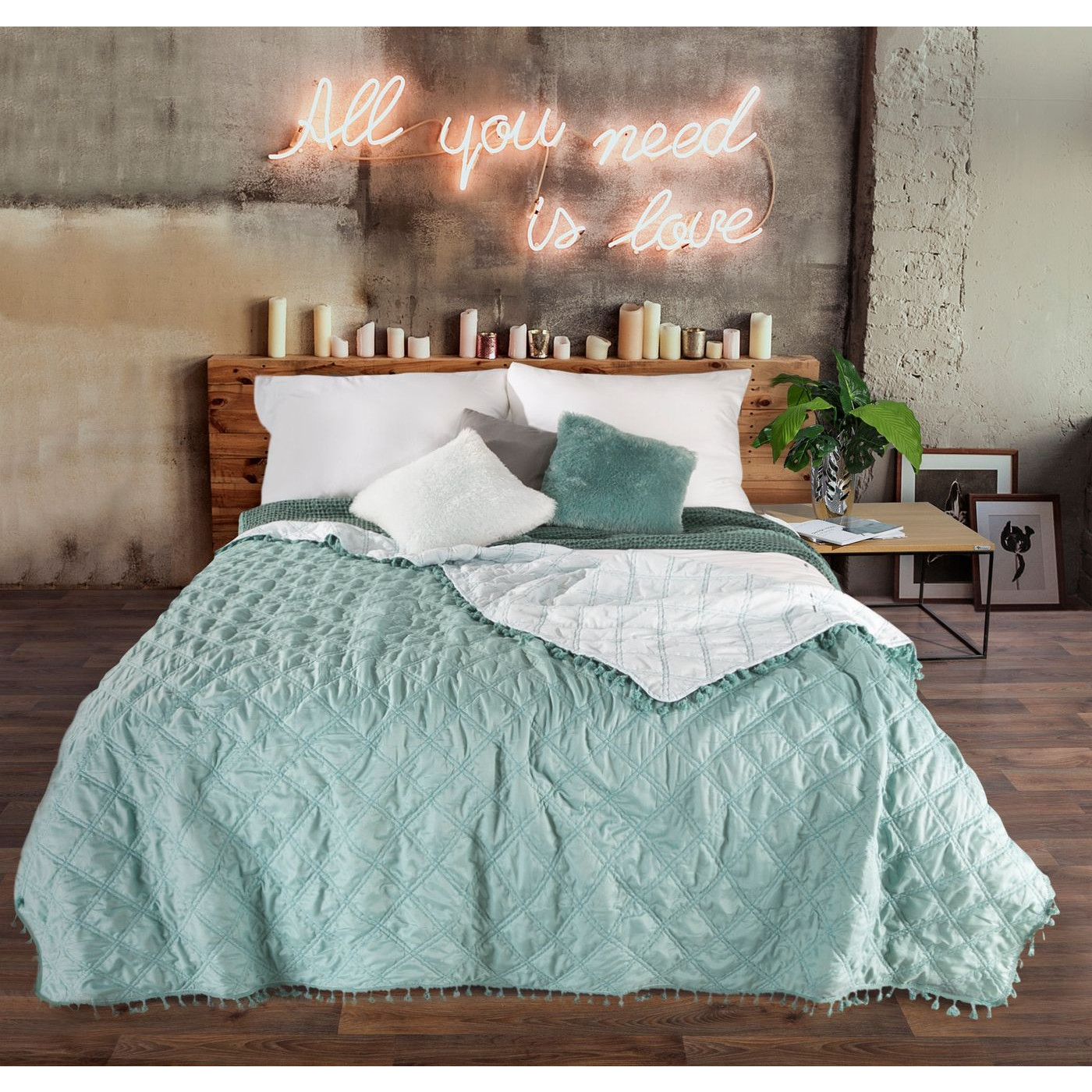 Narzuta na łóżko przeszywana dwustronna 220x240 cm miętowo-srebrny
