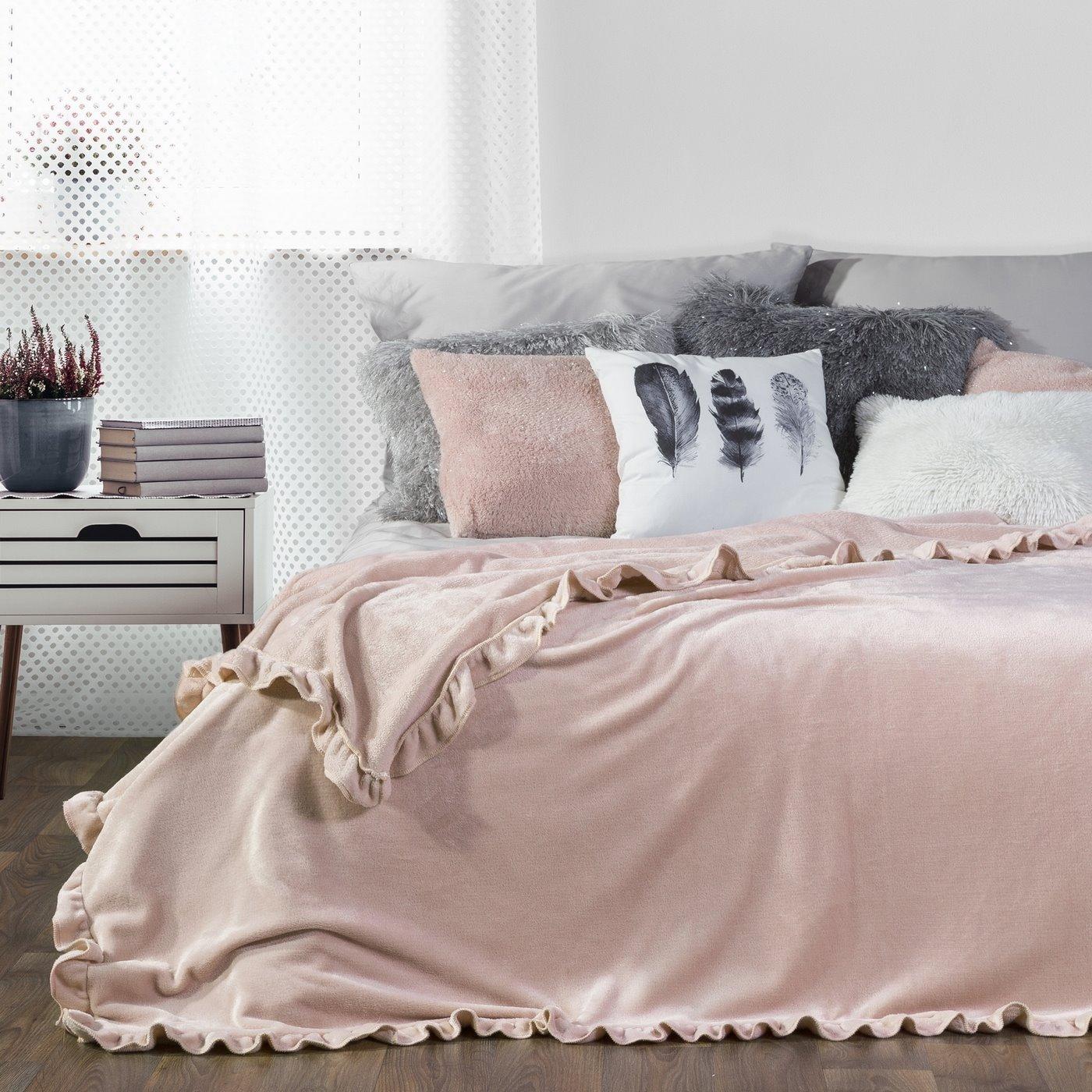 Różowy KOC Z FALBANĄ jednokolorowy 150x200 cm