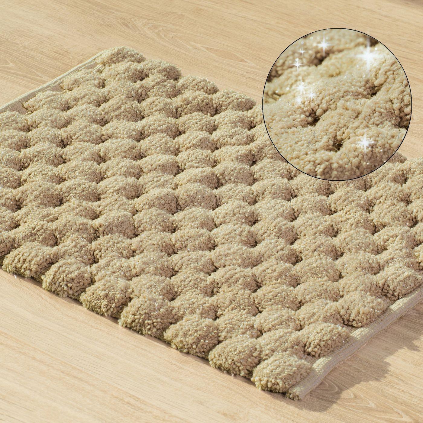 Beżowy dywanik łazienkowy tłoczony ze srebrną nicią 50x70 cm