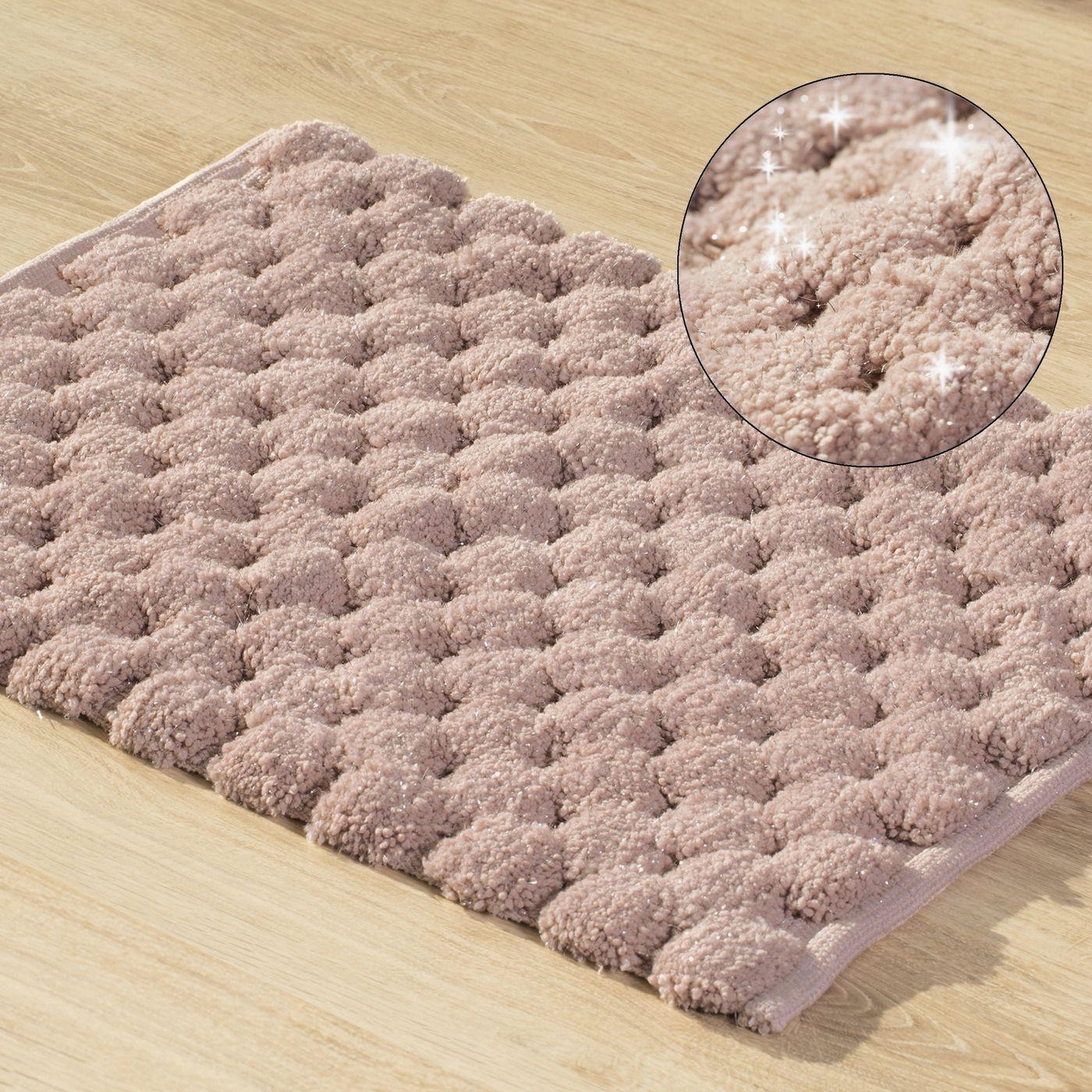 Różowy dywanik łazienkowy tłoczony ze srebrną nicią 50x70 cm