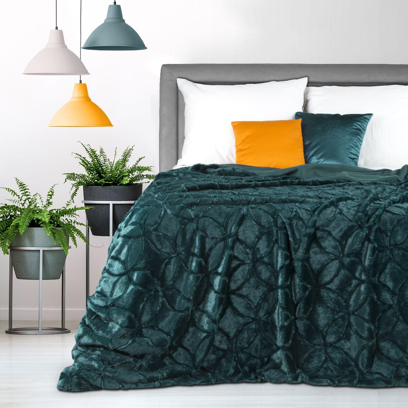 Narzuta futerko na łóżko ciemny turkus 170x210 cm