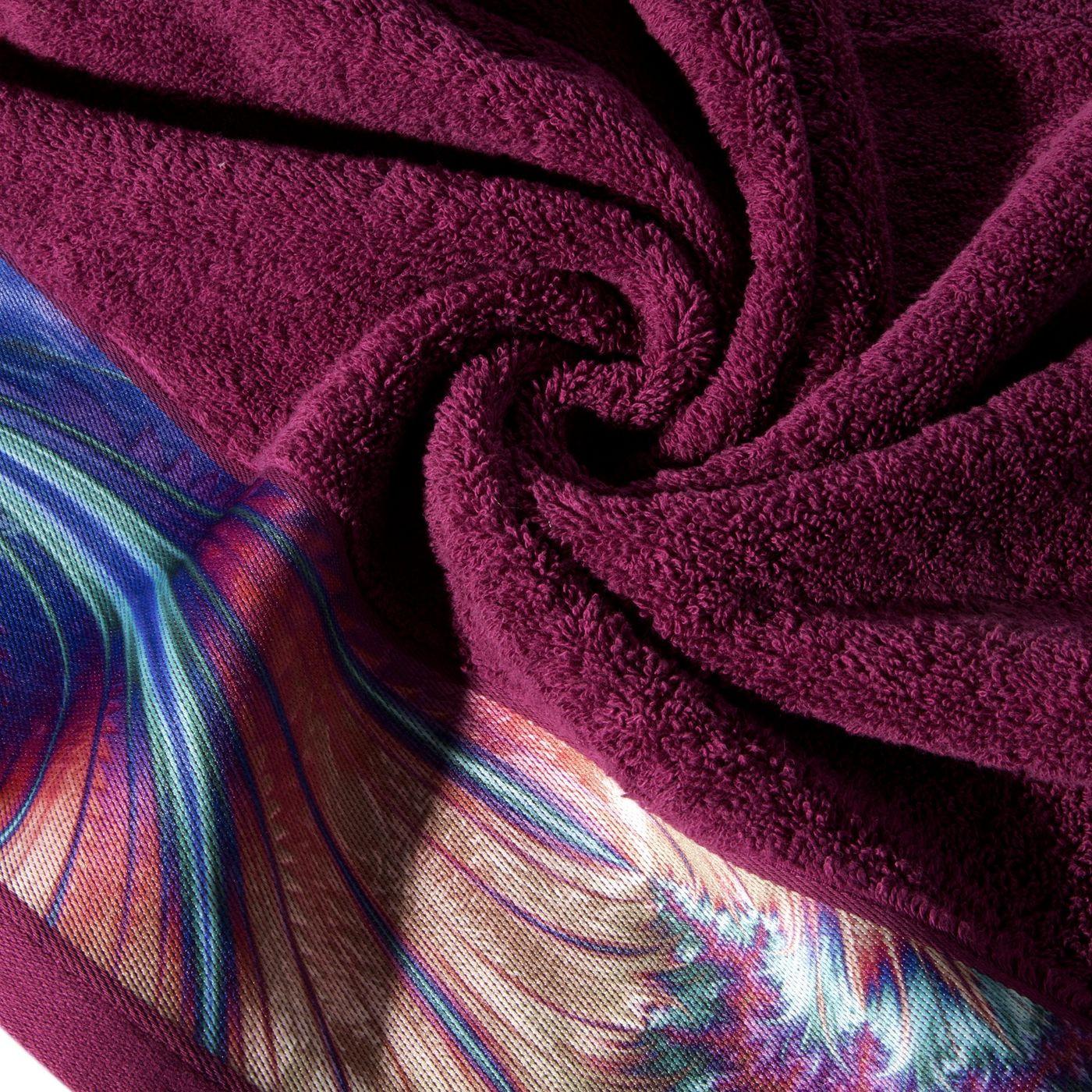 Amarantowy ręcznik kąpielowy - mój wybór Eva Minge - 70x140 cm