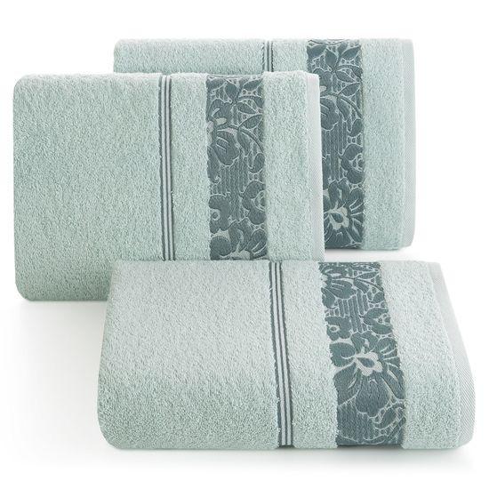 Ręcznik z bawełny z kwiatowym wzorem na bordiurze 50x90cm błękitny - 50 X 90 cm