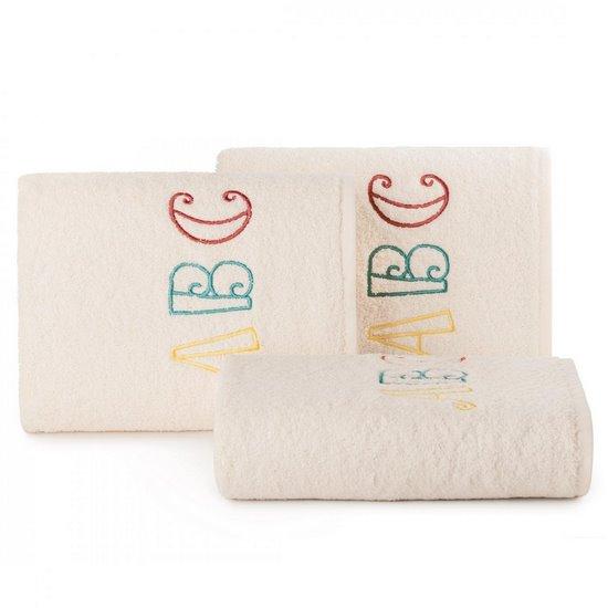 Ręcznik dziecięcy z haftowaną aplikacją z literkami 50x90cm - 50 X 90 cm