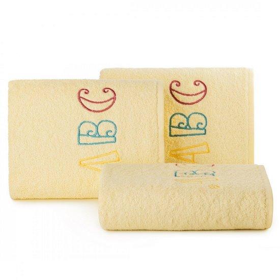 Ręcznik dziecięcy z haftowaną aplikacją z literkami 70x140cm - 70 X 140 cm - żółty