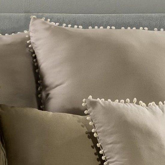 Komplet pościeli z MIKROFIBRY 220 x 200 cm, 2 szt. 70 x 80 cm, cappuccino z pomponikami  - 220x200+70x80/2