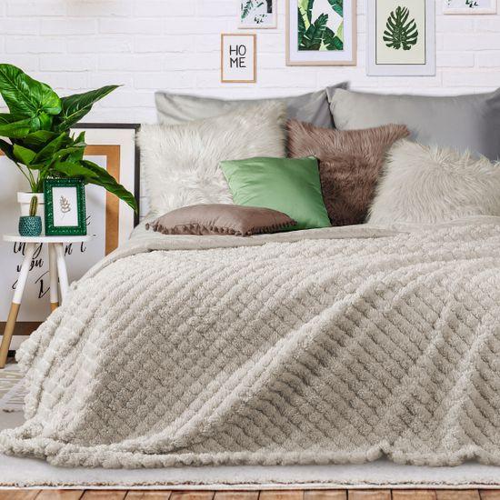 Narzuta na łóżko futerko 200x220 cm beżowa - 200x220