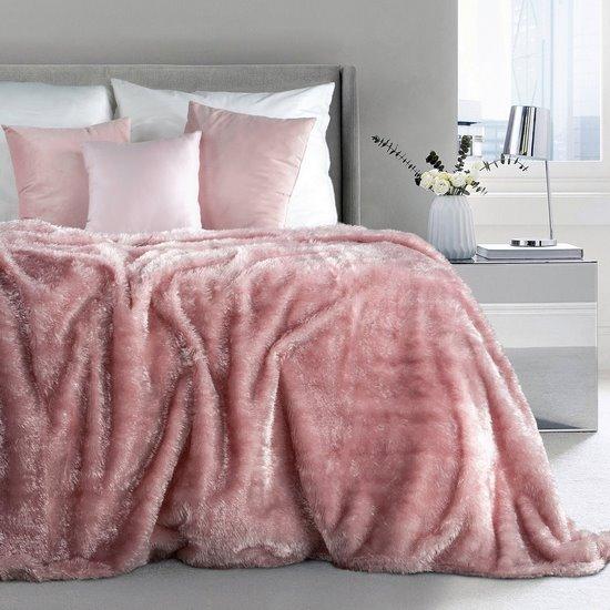 Futerkowy miękki koc pudrowy różowy z długim włosiem 150x200 - 150 X 200 cm - różowy