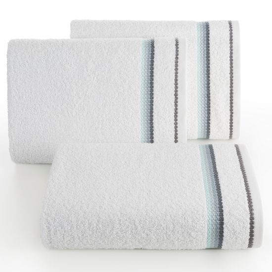 Ręcznik z tęczowym haftem na bordiurze 30x50cm - 30 X 50 cm