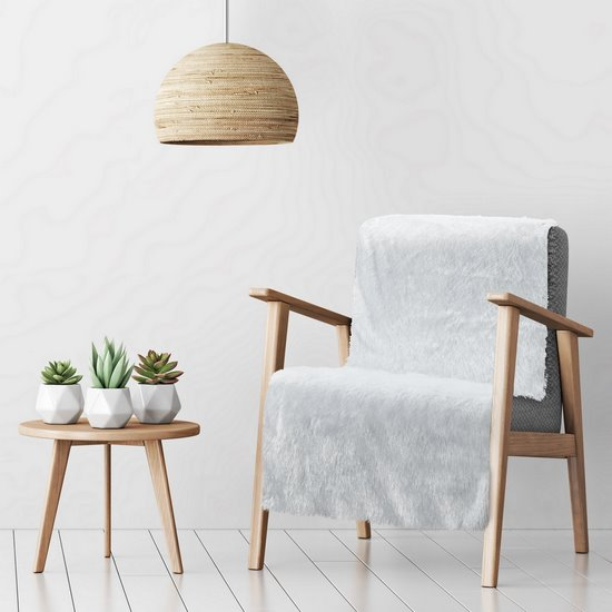 Koc o strukturze miękkiego futra na fotel biały 70x150cm - 70 X 160 cm - biały/srebrny