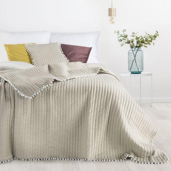 Narzuta na łóżko pikowana pomponiki 220x240 cm beżowa - 220 X 240 cm