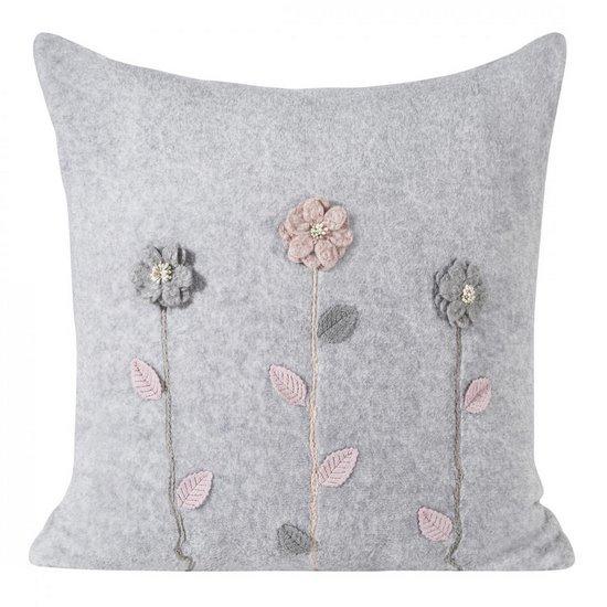 Szara poszewka z kwiatową aplikacją 45x45 cm - 45 X 45 cm - stalowy szary, różowy