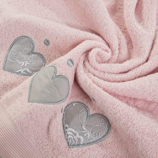 Miękki chłonny ręcznik kąpielowy pudrowy z serduszkami 70x140 - 70 X 140 cm - pudrowy
