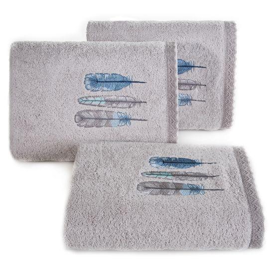 Haftowany ręcznik kąpielowy z motywem piór srebrny 50x90 cm - 50 X 90 cm - srebrny