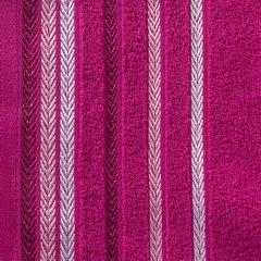 Ręcznik z bawełny z kolorowymi paskami w jodełkę 70x140cm amarantowy - 70 X 140 cm - amarantowy 10