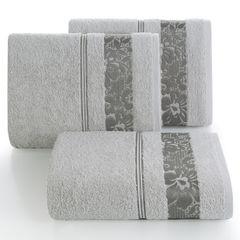 Ręcznik z bawełny z kwiatowym wzorem na bordiurze 50x90cm popielaty - 50 X 90 cm - srebrny 1