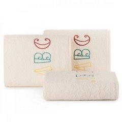 Ręcznik dziecięcy z haftowaną aplikacją z literkami 30x50cm - 30 X 50 cm - kremowy 1