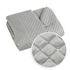 Narzuta na łóżko miękka zdobiona cekinami 170x210 cm srebrna - 170 X 210 cm - srebrny 4