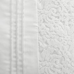 Narzuta na łóżko satynowa kwiatowy ornament 220x240 cm kremowa - 220 X 240 cm - kremowy 3