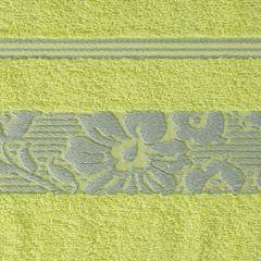 Ręcznik z bawełny z kwiatowym wzorem na bordiurze 70x140cm limonkowy - 70 X 140 cm - zielony 4