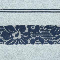 Ręcznik z bawełny z kwiatowym wzorem na bordiurze 70x140cm niebieski - 70 X 140 cm - niebieski 9