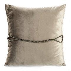 Poszewka na poduszkę 45 x 45 cm beżowa ze srebrnym paskiem  - 45 X 45 cm - szampański 3