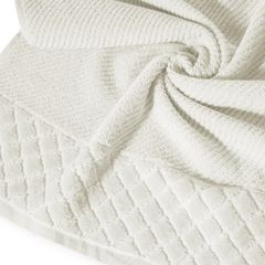 Ręcznik z bawełny z miękką bordiurą w kosteczkę 70x140cm kremowy - 70 X 140 cm - kremowy 9