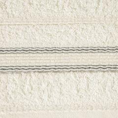 Ręcznik z bawełny z bordiurą podkreśloną srebrną nitką 70x140cm - 70 X 140 cm - kremowy 7