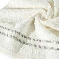 Ręcznik z bawełny z bordiurą podkreśloną srebrną nitką 70x140cm - 70 X 140 cm - kremowy 9