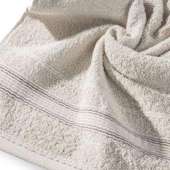 Ręcznik z bawełny z bordiurą podkreśloną srebrną nitką 70x140cm - 70 X 140 cm - beżowy 10