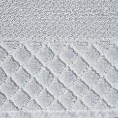 Ręcznik z bawełny z miękką bordiurą w kosteczkę 70x140cm popielaty - 70 X 140 cm - srebrny 9