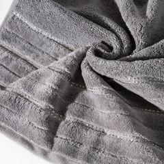 Srebrny ręcznik kąpielowy z metaliczną nicią - 50x90 cm - 50 X 90 cm - srebrny 5