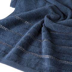 Granatowy ręcznik kąpielowy z metaliczną nicią - 50x90 cm - 50 X 90 cm - granatowy 5