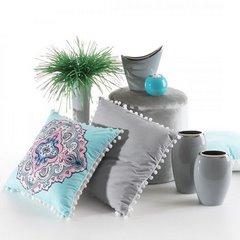 Poszewka na poduszkę gładka srebrna z pomponami 40 x 40 cm  - 40 X 40 cm - jasnoszary/biały 7