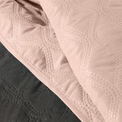 Narzuta pikowana w geometryczny wzór termozgrzwana stalowo-różowy 220x240cm - 220 X 240 cm - stalowy/różowy 5