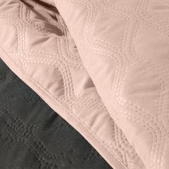 Narzuta pikowana w geometryczny wzór termozgrzwana stalowo-różowy 220x240cm - 220 X 240 cm - stalowy/różowy 4